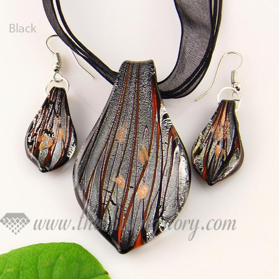 Leaf foil venetian murano glass pendants and earrings jewelry wholesale leaf foil venetian murano glass pendants and earrings jewelry black mozeypictures Choice Image
